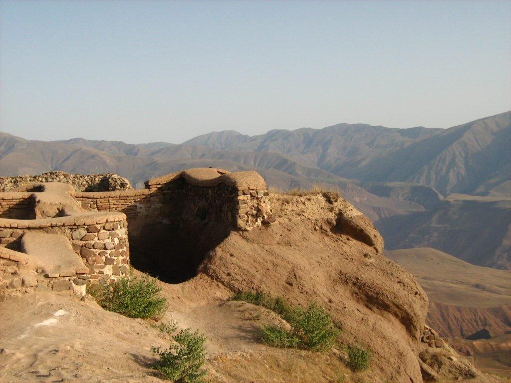 Ruine actuelle de la forteresse d'Alamut.