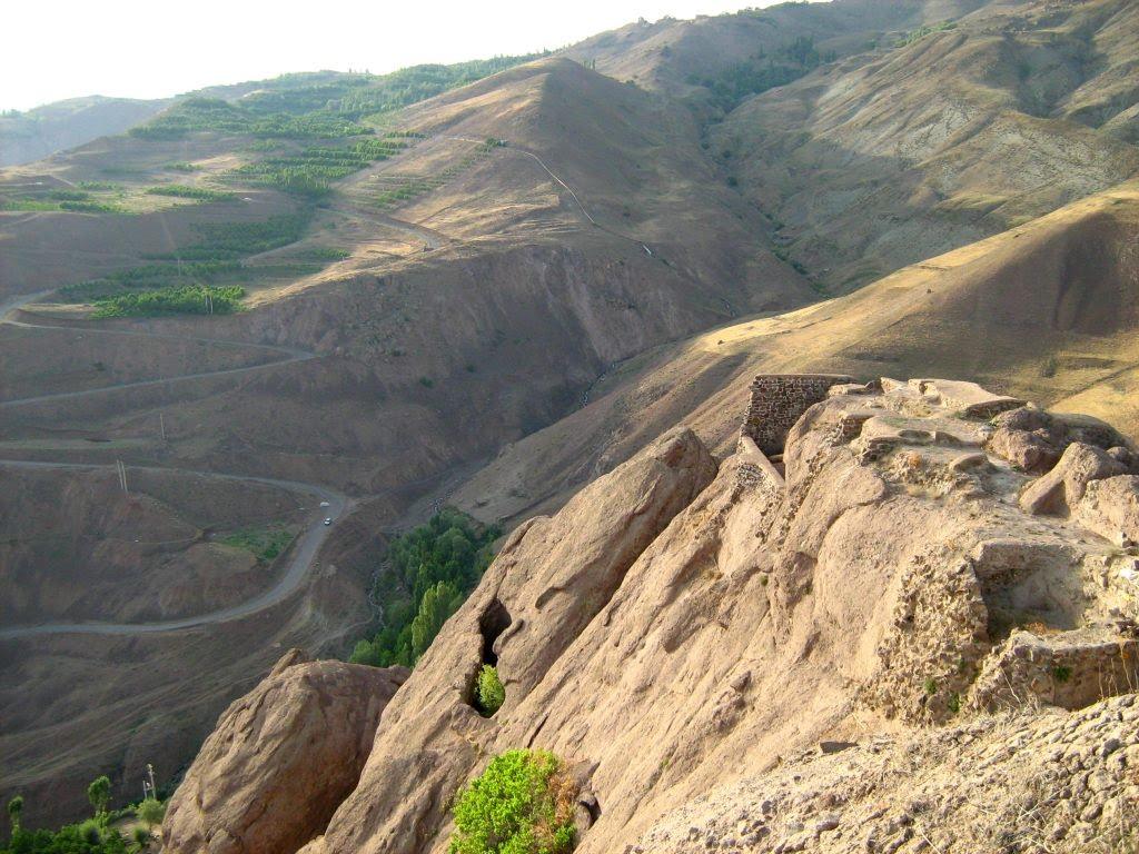 Ruine d'Alamut et ses environs.